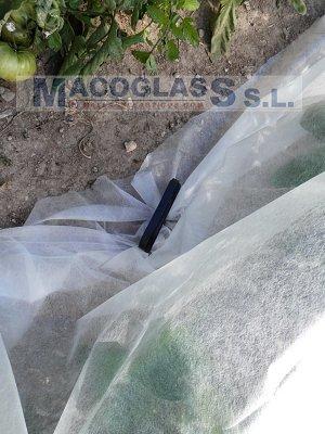 Uso de clavo para manta térmica